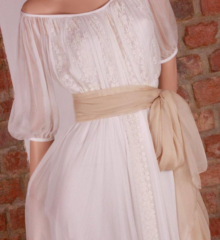 Rochie de mireasa traditionala romaneasca   costume, ii si camasi stilizate