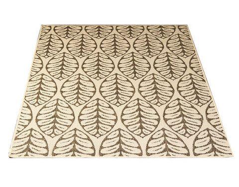 Kajo-matto, valkoinen. Kovaa kulutusta kestävä matto, liukuestepohja, lehtikuviointi. Materiaali pölyämätöntä polypropyleeniä.