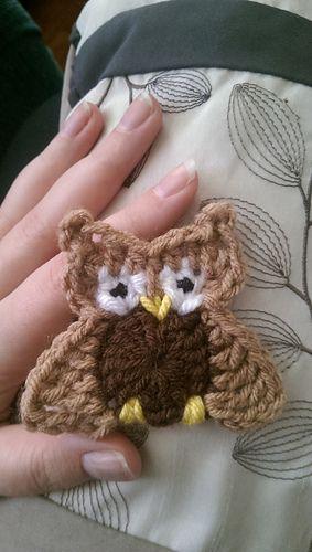 Austin The Owl - free crochet applique pattern by Erin Stratidakis.* ༺✿ƬⱤღ http://www.pinterest.com/teretegui/✿༻