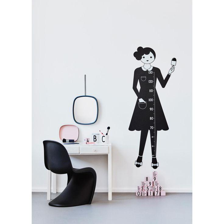 Настенный ростомер-стикер «Мадам»