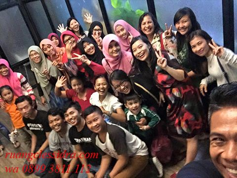 Komunitas wanita indonesia, Komunitas wanita gemuk indonesia, Komunitas pengusaha wanita indonesia, Komunitas wanita muslimah indonesia, Komunitas wanita di indonesia, Komunitas wanita inspirasi indonesia, Komunitas wanita mandiri , Komunitas wanita kreatif, Komunitas wanita berhijab, Komunitas wanita berambut panjang,