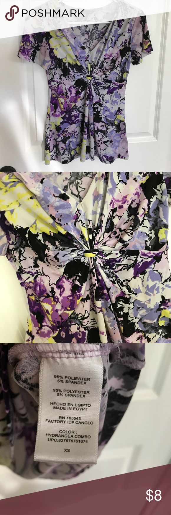 Daisy Fuentes purple knotted short sleeve top Gorgeous purple/yellow/black hydrangea print short sleeve top. Flattering knotted gather in front near busy. Size XS check out my other listings for more Daisy Fuentes! Daisy Fuentes Tops Blouses