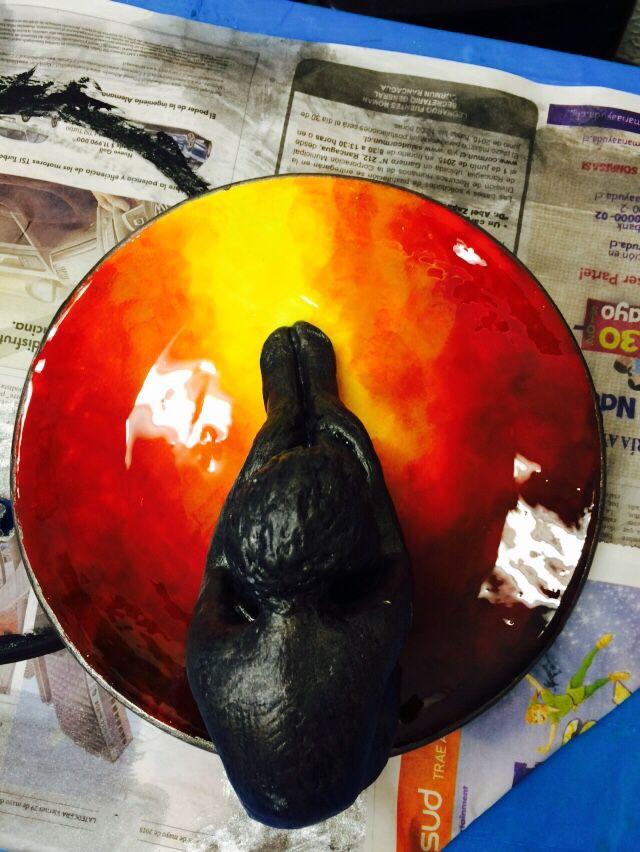 Pintura y resina sobre plato de zi a zi a pinterest - Pintura de resina ...
