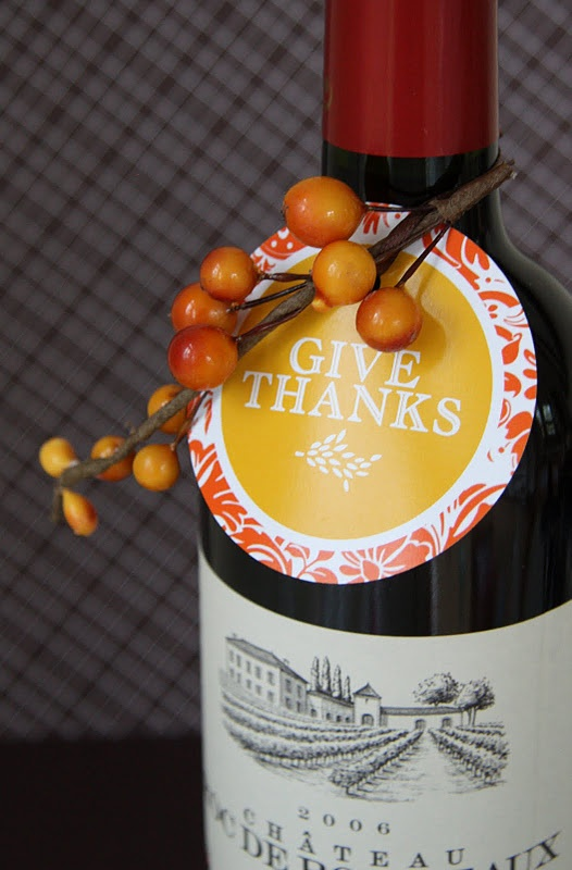 Thanksgiving day hostess gift ideaFree Thanksgiving, Gift Ideas, Wine Bottle Tags, Gift Tags, Printables Tags, Printables Labels, Hostess Gifts, Thanksgiving Printables, Free Printables