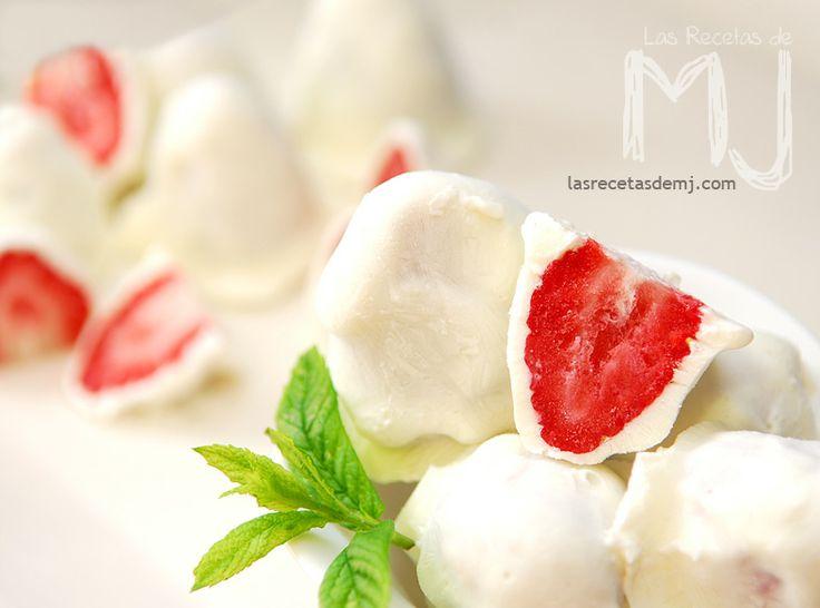 Fresas heladas con yogurt / Frozen strawberries with yogurt