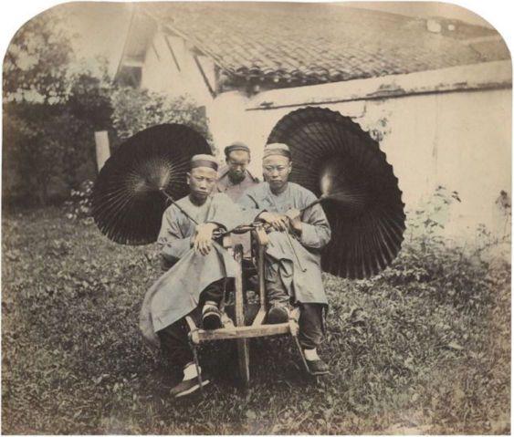 Dona de um estúdio fotográfico em Shanghai, China, aberto em 1962 e que ficou em funcionamento por mais de 25 anos,William Saunders capturou aspectos da vida social do século 19 no país. Na época sob a dinastia Qing, Shanghai começava a emergir como …