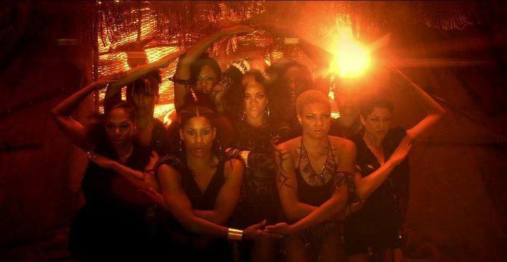 Rihanna Illuminati Umbrella   Resim Bul » Rihanna » Rihanna Umbrella İlluminati & Resimleri ve ...