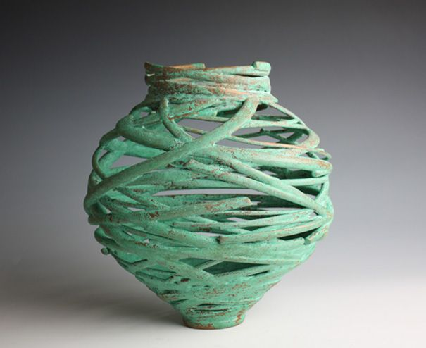 Reminds me of one of the many ceramics projects in my sketchbook patiently waiting to be realized.