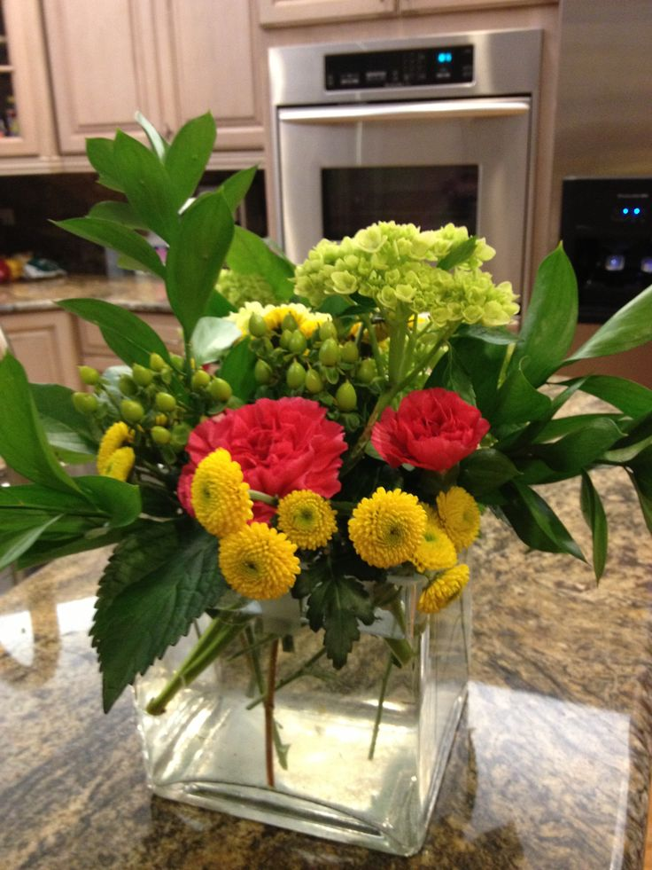 44 best images about jacque 39 s retirement party on for Flower arrangements for parties