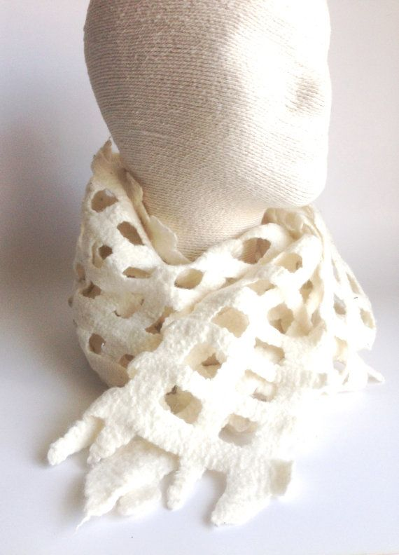 Long Felted Lacy Ivory Scarf by LaVieBoeretroos