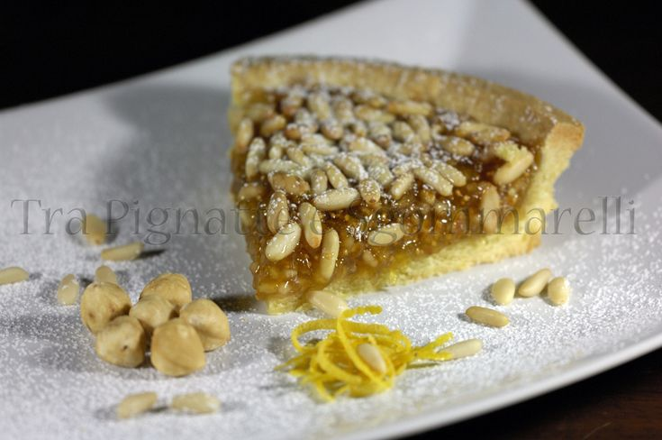 I miei dolci - Crostata con marmellata di fichi, granella di nocciole e pinoli   Tra Pignatte e Sgommarelli