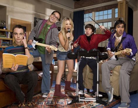 Losers, los nuevos ídolos en TV - Vanguardia. Big Bang Theory.