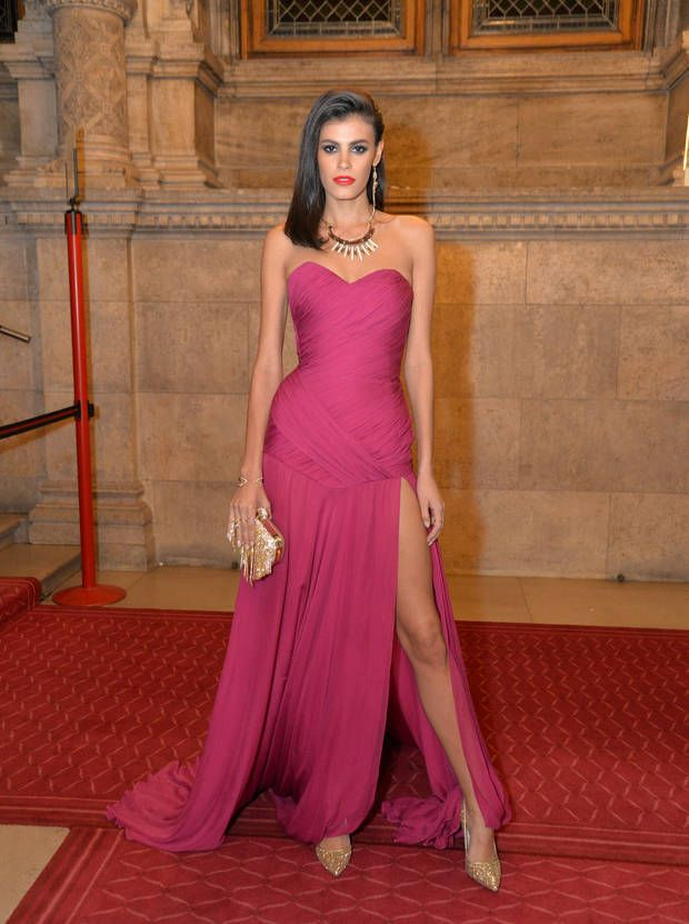 @alisar ailabouni in Dimitri #dress #bydimitri #womenoftheyear #award #madeinitaly #gntm #topmodel