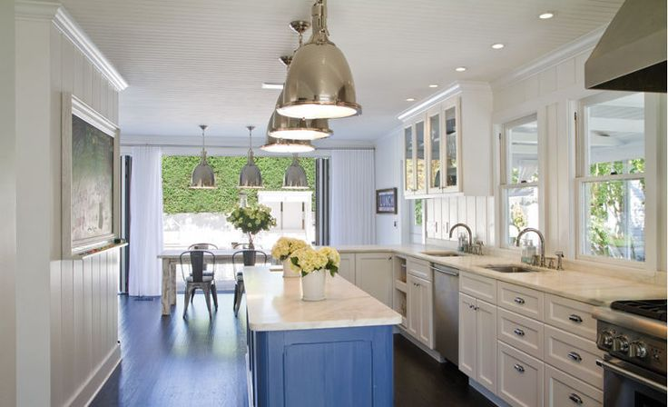 A redesigned historic house in East Hampton with a modern and elegant interior