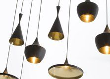 Beat lights van Tom Dixon  Leuk om bij hoge plafonds verschillende versies van deze lamp op verschillende hoogtes boven de eetkamer te hangen.