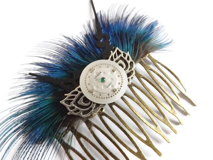 """Peigne vintage steampunk plumes de paon bleues cadran aiguille, """"Beauté intemporelle"""" : Accessoires coiffure par…"""