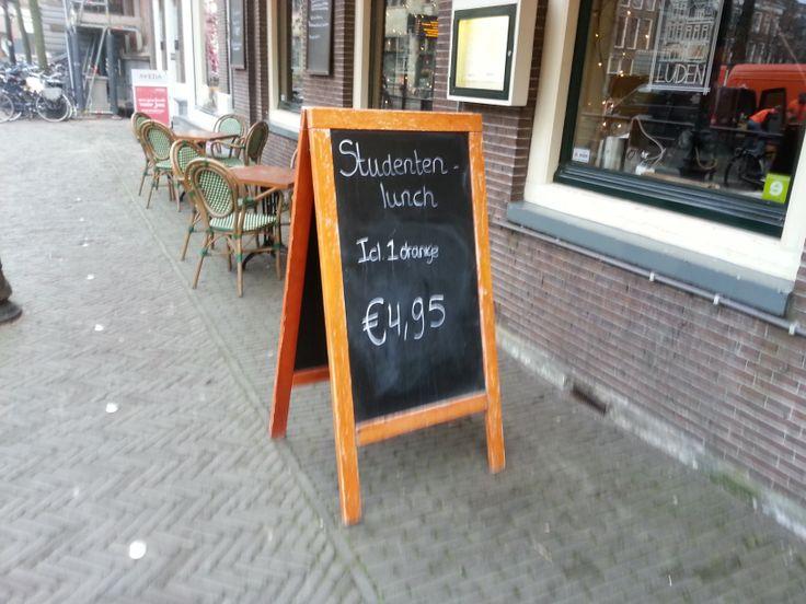 Arjen - Luden, Restaurant. Sterk: Spreekt een bepaalde doelgroep sterk aan. Zwak: kan andere klanten weghouden.