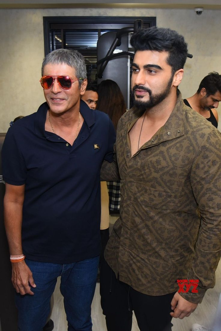 New Delhi: Arjun Kapoor, Chunky Pandey, Sanjay Kapoor launch fitness center - Social News XYZ