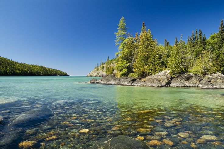 The North Shore of Lake Superior | 11 Striking Northern Ontario Landscapes That'll Inspire You To Pick Up A Paintbrush