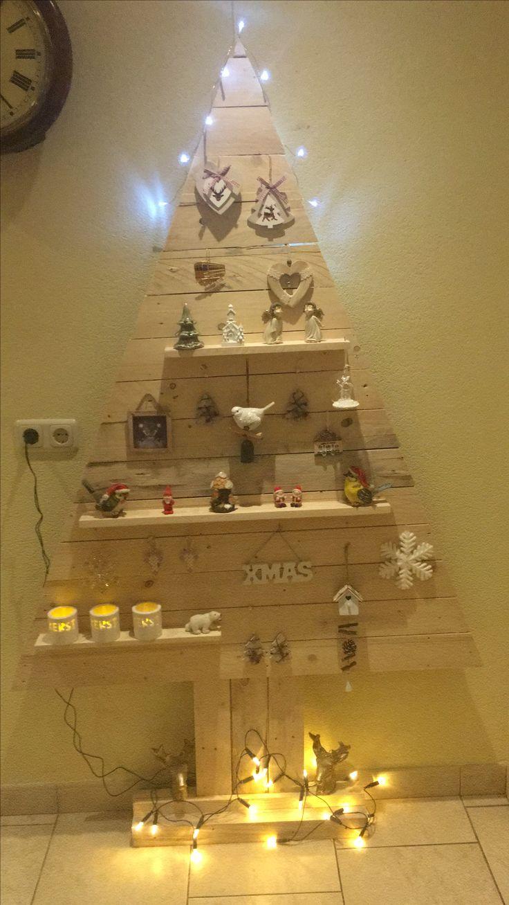 Pallet Wood Christmas Tree