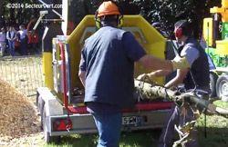 SAELEN-BROYEUR-MOBILE-WS-23. Le Broyeur mobile Wood Series WS 23-75 DT de Saelen a été conçu pour broyer des branches de 10 à 23 cm de diamètre afin d'obtenir des copeaux de bois (valorisable sous forme de paillage ou de combustible) et ce, grâce à sa technologie « Cutting Disc ».