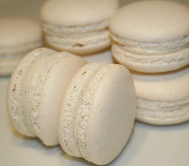 La Cuisine de Bernard: Les Macarons Vanille