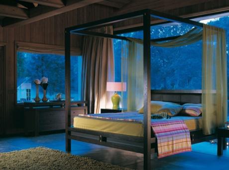 Jag bara älskar sängstommar med sänghimmel!