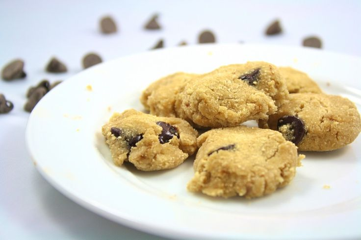 """65 calories for the entire batch of 10 cookies! And they are """"baked"""" in the microwave! """"All for One"""" Chocolate Chip Cookies - Foodie Fiasco"""