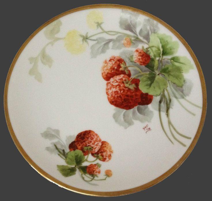 A Lanternier, Limoges Porcelian (France) - Plate 'Strawberry'. Hand Painted. D:8 1/2 (1500x1466)