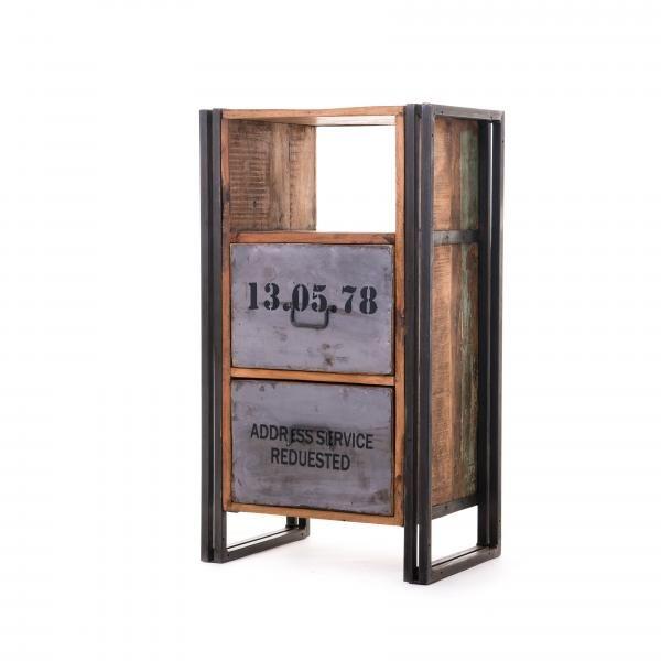 Dawson Iron Wooden Cabinet Metallia ja puuta rouheasti yhdistelevä sivupöytä / lipasto. http://www.verkkokauppa.aadesign.fi/tuotteet/dawson-iron-wooden-cabinet
