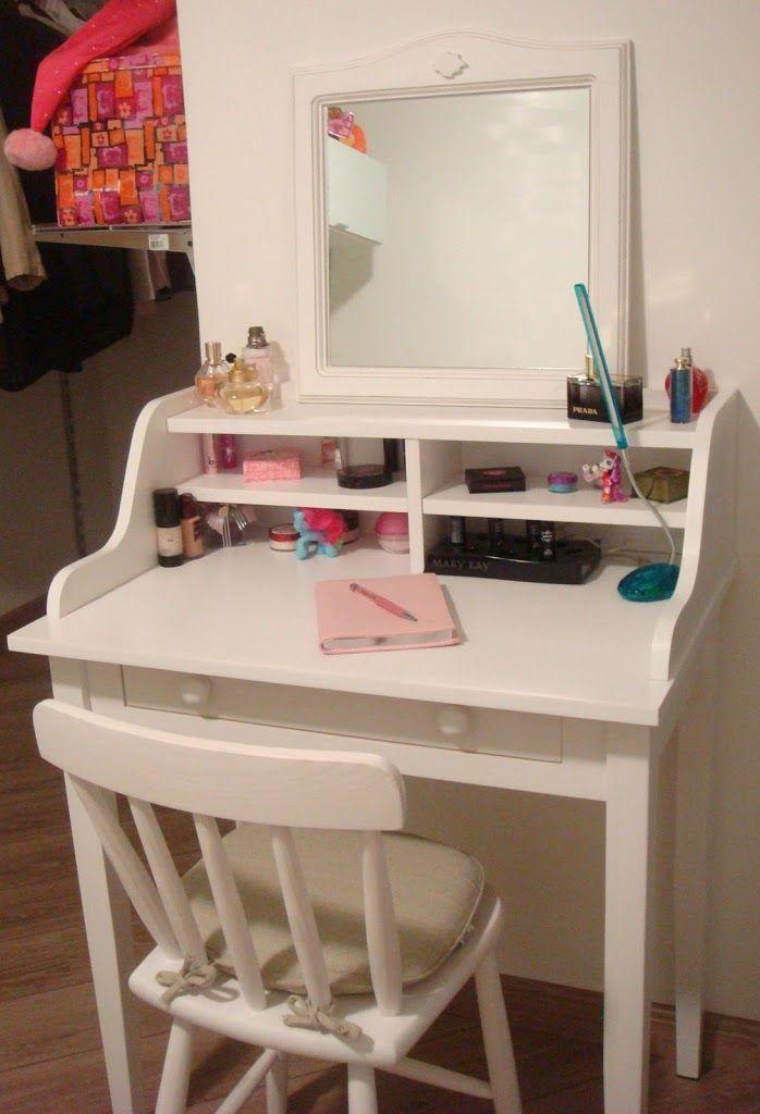 Quando eu era mais nova, ter uma penteadeira no quarto era um sonho de uma criança que sempre sonhou em morar em uma casa digna de Barbie, mas com o passar do tempo pude entender o tanto que o móvel é útil para qualquer tipo de mulher que não sai de casa sem se maquiar, […]