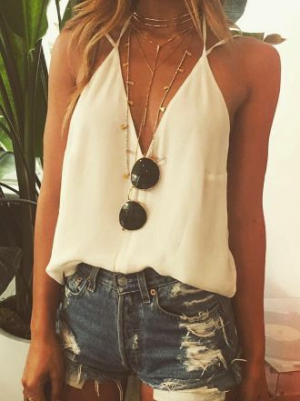 summer outfits ripped denim short shorts deep v neck