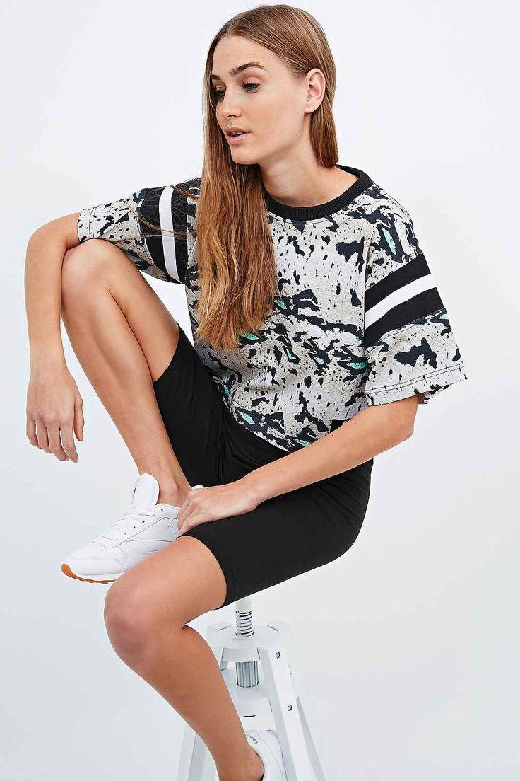 Shop Reebok X Melody Ehsani Reptile Cropped Tee at Urban Outfitters today.  We carry all the latest styles, colours and brands for you to choose from  right ...
