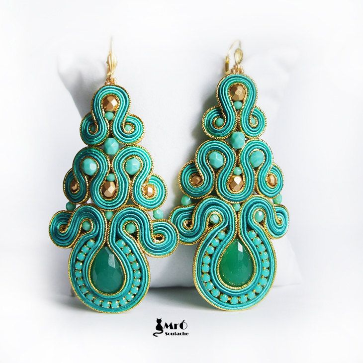 Turquoise and gold large beautiful earrings por MrOsOutache