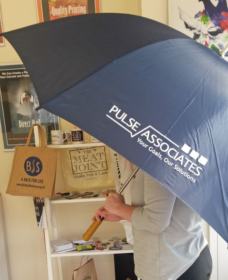 Promotional umbrella for Pulse Associates, printed one colour, one position. Happy golfing!