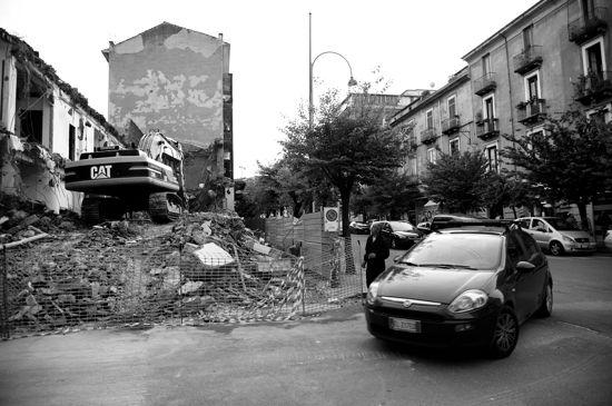 Macerie sul viale dei platani - © Massimiliano Palumbo