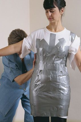 Duct-Tape Dress Form #1. From Threads Magazine #75, p. 38.  TUTORIAL: On how to make a custom-fitted DIY dressform/ dummy / mannequin to fit your figure.  See also this pin for 'Duct-Tape Dress Form #2.