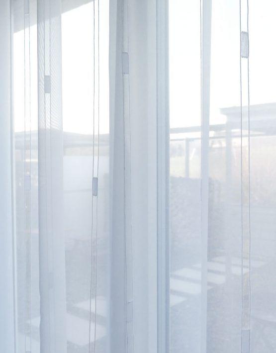 Blick nach Aussen Licht: Tagesvorhang LISSABON weiss Streifen-Muster Massvorhang