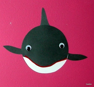 Tippytoe Crafts: Killer Whales  Black circle die cut, google eyes, white paper face and 3 fins