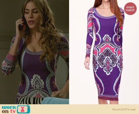 Gloria's purple printed long sleeved dress on Modern Family. Outfit Details: http://wornontv.net/23008 #ModernFamily