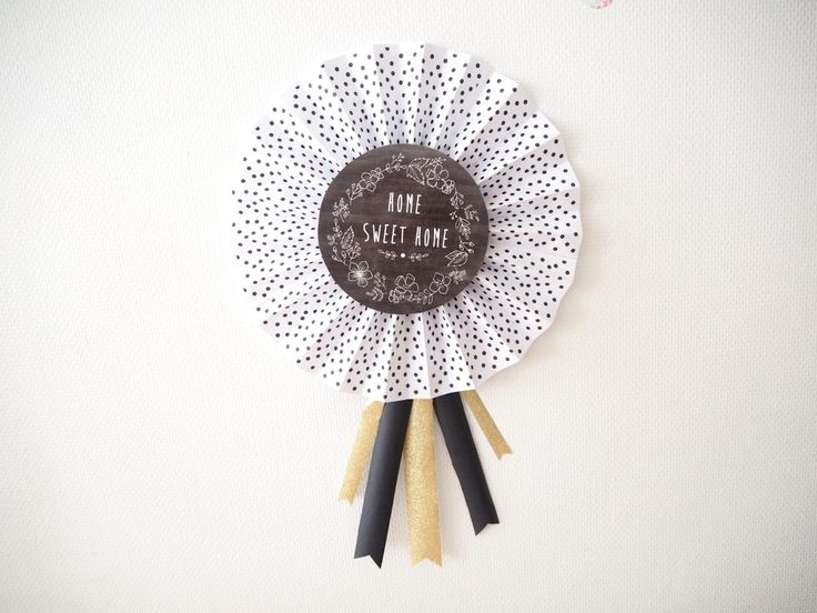 Tuto // DIY pour faire des jolies Cocardes !  Le pas-à-pas avec toutes les instructions et des papiers à télécharger sur http://www.asaline.fr/diy-les-jolies-cocardes/ ♡