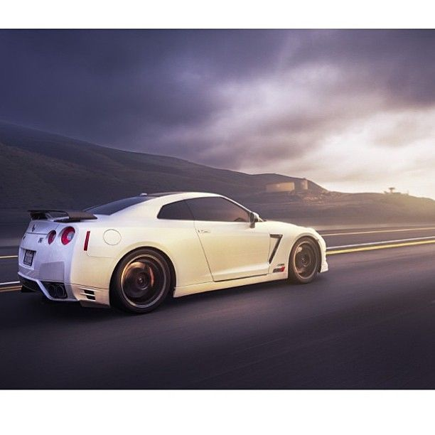 Nissan GTR Godzilla - visual dream