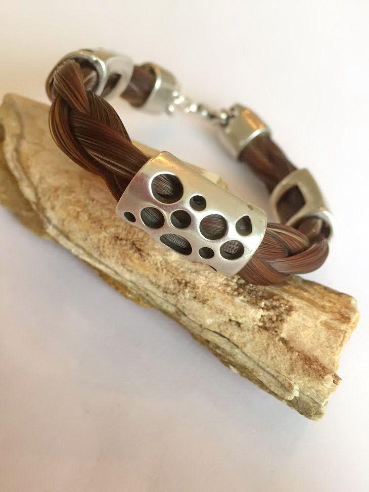 Paardenhaar armband met stoere schuivers, te koop op www.samardesign.nl