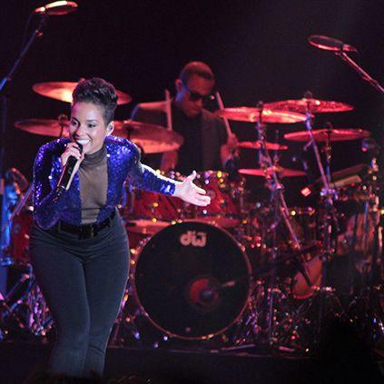 Gelar Konser Di Jakarta, Alicia Keys Tampil On Fire | MEN'S JOURNEY