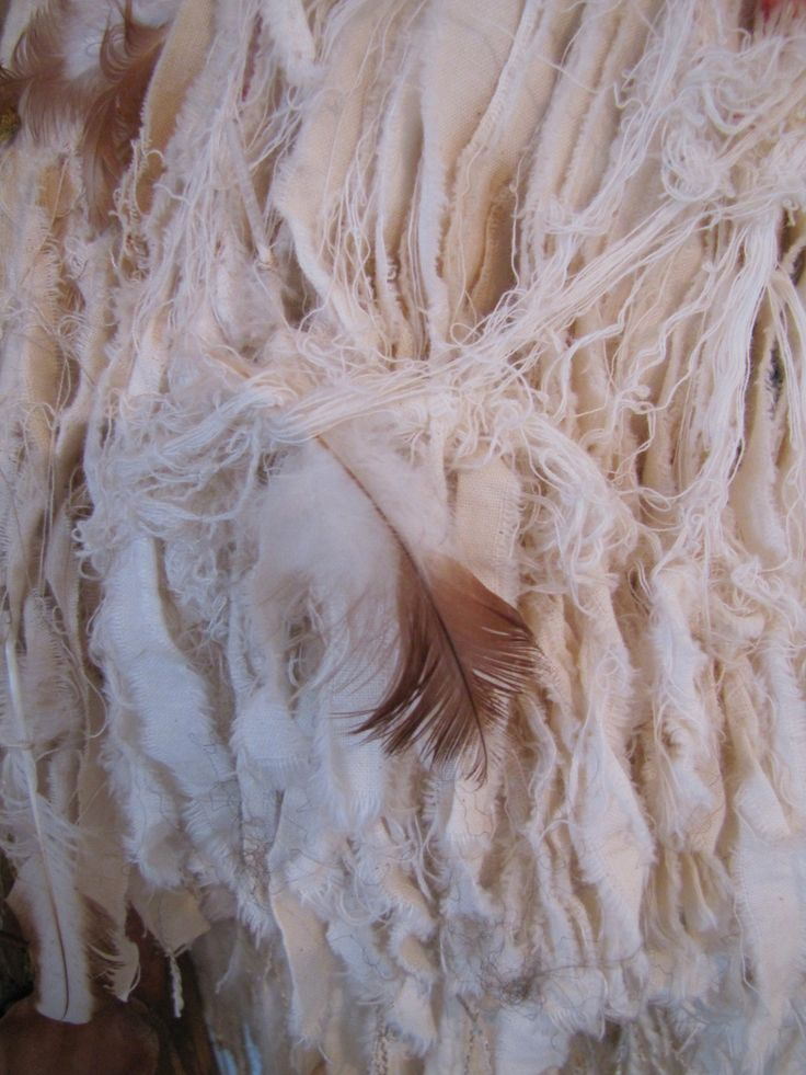 Post European Close up of the lovely knotted threads.