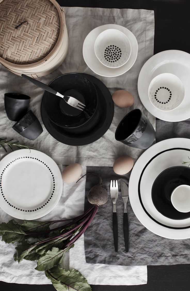 Mix and match your own table style at home. Love Kajsa Cramer porcelain with limitless possibilities.