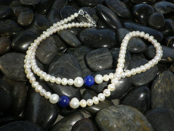 Freshwater Pearls with Lapis Lazuli feature