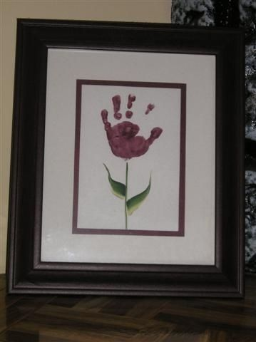 Hand print flower - great idea for Mother's Day