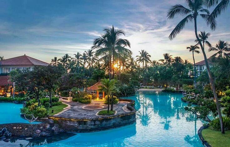 Indonezja - Bali - ogród w The Laguna, a Luxury Collection Resort & Spa #Luksusowe #wakacje z www.TOPWakacje.pl