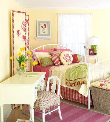 super cute room - love the colorsCheery Girls, Guest Room, Colors Combos, Girls Bedrooms Yellow, Yellow Bedrooms, Kids Room, Girls Room, Yellow Girls Bedrooms, Girl Rooms